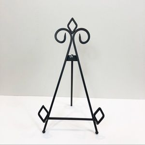 Black Metal Picture Stand